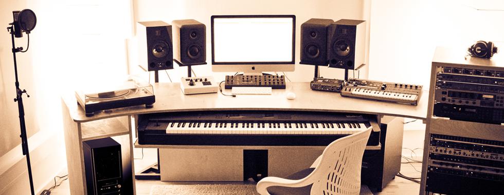 studio_Slide
